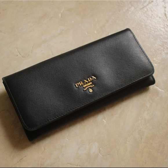 681190eacc10dc PRADA Authentic Saffiano Leather Wallet Black Used.  M_5b99c1f0f63eeaa9134d2544